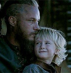 Ragnar-love that the most important thing to him is his family Ragnar Lothbrok, Lagertha, Vikings Show, Vikings Tv Series, King Ragnar, The Last Kingdom, Man Of War, Australian Actors, Viking Warrior