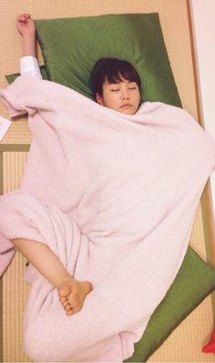 Mirei Kiritani (Japanese actress, fashion model, news caster), sleeping like a log...