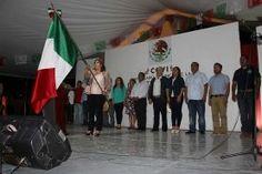 Landa de Matamoros, Qro. 15 de septiembre de 2016.- Ante decenas de Landenses y visitantes concentrados la noche del 15...