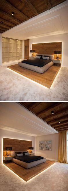 Dieses Moderne, Von Einem Chalet Inspirierte Schlafzimmer Verfügt über Ein  Hochbett Auf Einer Holzplattform.