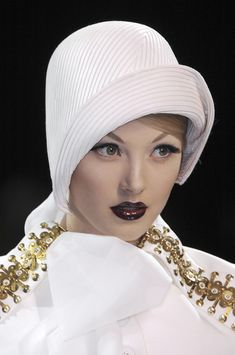 Christian Dior Fall 2008, Hats by Stephen Jones. Loads of pictures of the amazing cloche hats from this collection.