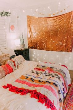 48 lovely dorm room ideas to tare room decor to the next level 41 – housedecor Room Makeover, Room, Bedroom Design, Living Room Decor, House Rooms, Room Inspiration, Room Decor, Dorm Room Decor, Dream Rooms