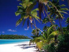 Cook Island - De eilandjes worden voornamelijk bedekt door bergen, jungle, lagunes, watervallen en parelwitte stranden. Wat wil je nog meer..... Maybe someday