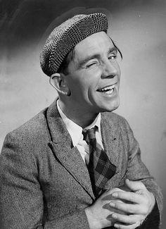 British Comedy, British Actors, American Actors, Comedy Actors, Actors & Actresses, Norman Wisdom, Classic Comedies, Classic Tv, Funny People