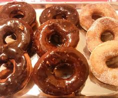 Un dolce mondiale che troviamo in tutti gli stati: dalle ciambelle fritte italiane ai donuts americani, dai krapfen tedeschi ai paczki polacchi.