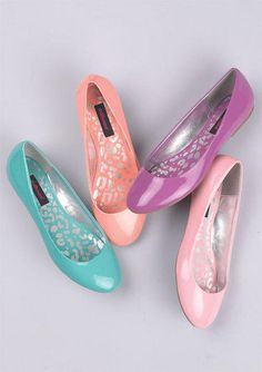 Cute spring flats!! Love them!