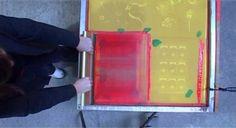 Le 38 quai notre-dame dispense plusieurs sessions de stage de sérigraphie, adaptés à tous les niveaux ! Venez vous familiariser avec cette technique d'impression artisanale permettant la reproduction de motifs à grands tirages dans un cadre sympa avec nos formateurs pierre et damien. La Reproduction, Screen Printing Process, Motifs, Dame, Prints, Trainers, Frames, Impressionism, Stone