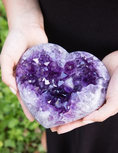 Amethyst Crystal Geode Heart – One Of A Kind Crystals And Gemstones, Stones And Crystals, Natural Gemstones, Gem Stones, Healing Stones, Crystal Healing, Beautiful Rocks, Crystal Grid, Rocks And Gems