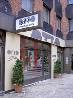 Otto der Frisör! LOVE IS IN YOUR HAIR Wir bieten Ihnen persönliche Beratung, spezielle Farbtechniken für Ihr Haar, perfekte modische Schnitte, Frisuren zu festlichen Anlässen und dekorative Kosmetik und Maniküre. Für Ihren Besuch haben wir eine Parkgarage im Haus! Kaiserstrasse 45, 1070 Wien  #im7ten Garage Doors, Outdoor Decor, Home Decor, Parkour Gym, Personal Counseling, Craft Business, House, Hair Makeup, Decoration Home