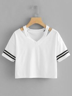 cut out neck crop tee. Girls Fashion Clothes, Love Clothing, Teen Fashion Outfits, Cute Lazy Outfits, Crop Top Outfits, Cool Outfits, Cut Tee Shirts, Cut Tees, Diy Clothes Design