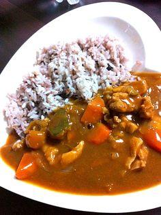 クックパッドのレシピで、ルクルーゼで作りました - 4件のもぐもぐ - チキンカレー 雑穀米 by yummy24