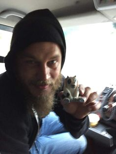 @Team_Travis TRAVIS FIMMEL HAS RECEIVED MY WIFE'S GIFT ON THE SET OF @HistoryVikings !!! HOW EPIC IS THAT??!!