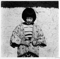sumi-no-neko:    by 植田正治 Shoji Ueda (1913-2000)