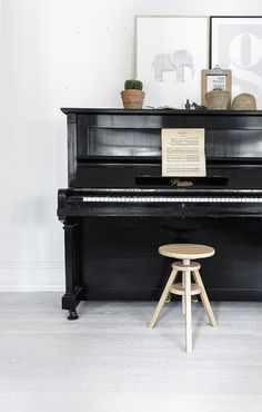 There may be nothing more chic than a well loved piano
