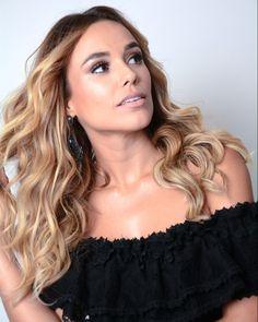 """73 curtidas, 4 comentários - Carla Barraqui (@carlabarraqui) no Instagram: """"Mais beleza no seu feed!! hairstylist @fabiooliveirahair #beauty #carioca #carlabarraqui…"""""""