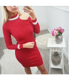 3910e189475 ROBE PULL SPORT CHIC EPAULE DENUDEE - RED - By Blondie - Boutique en ligne  de prêt à porter féminin