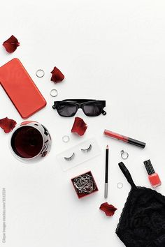 Pretty girl stuff by Clique Images - Flat lay - Stocksy United Fred Instagram, Flat Lay Inspiration, Selfies, Estilo Blogger, Stock Imagery, Flat Lay Photography, Photography Ideas, Fashion Wallpaper, Flatlay Styling