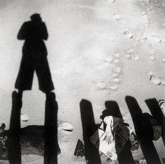 Besnyő Éva: Cím nélkül [John Fernhout árnyéka, Westkapelle, Zeeland, Netherlands] 1933