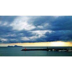#torredelgreco #igerstorredelgreco #ig_torredelgreco #tramonto #sunset #capri #igerscapri ig_capri #campania #igerscampania #ig_campania #italia #italy #igersitalia #ig_italia #napoli #igersnapoli #ig_napoli #nuvole #clouds #porto #harbour #sea #sun #fotoitaliane #instapic #instaphoto #fotoitalia #casamia #myhome