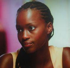 FATOU NDIAYE est née au Sénégal et vit en France depuis l'âge de 8  ans et a débuté dans le mannequinât. Elle fut révélée en 2001 par le  téléfilm FATOU LA MALIENNE.