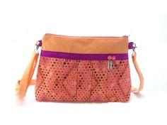sac bandouliere tissu plissé orangé a imprimé géometrique sac a main a motifs graphiques : Sacs bandoulière par tchai-walla