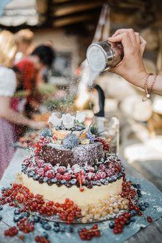 Wunderbar fruchtige Hochzeitstorte für eure Hochzeit im Sommer