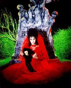 BROTHERTEDD.COM - costumeloverz71: Lydia Deetz (Winona Ryder) Red... Beetlejuice Wedding, Beetlejuice Movie, Tim Burton Beetlejuice, Lydia From Beetlejuice, Lydia Beetlejuice Costume, 80s Halloween Costumes, Halloween Inspo, Film Tim Burton, Burton Custom