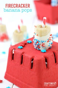 Yummy, cute and healthy Forth of July banana pops! Only requires 3 ingredients to make and are easy enough for kids to do! July 4th Appetizers, 4th Of July Desserts, Easy Desserts, Blue Desserts, Holiday Desserts, Holiday Recipes, Delicious Desserts, Dessert Recipes, Yummy Food