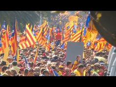 """CNN: """"Els catalans diuen: Volem votar"""" - elsingular.cat, 20/09/2014. La televisió nord-americana 'CNN' va ser un dels mitjans que van seguir ahir l'aprovació de la llei de consultes al Parlament. Des de les portes de la cambra catalana, la periodista de la 'CNN' va destacar que """"els catalans diuen: 'Volem votar'"""". De fet, la periodista ho va dir en català """"Votarem"""", expressió que va traduir per """"We shall vote"""", mentre mostrava els ciutadans que s'havien reunit davant del Parlament."""