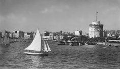 Άποψη από τη θάλασσα - 1939 Greece Pictures, Old Pictures, Old Photos, Thessaloniki, Sailing Ships, San Francisco Skyline, Worship, New York Skyline, Greek