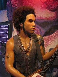 Im gonna meet the wax figure of lenny kravitz and we're gonna fall in love