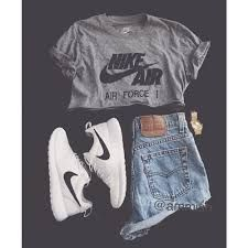 Shorts, Nike crop top, Nike black and white Rosches