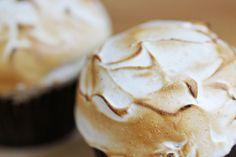 organic meyer lemon meringue cupcake #organic #cupcake #lemonmeringue www.sweetcharllote.com