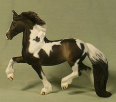 CUSTOM CM BREYER STABLEMATE HORSE COB BLACK AND WHITE PINTO BY JANET BONNEY