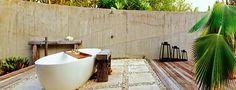 Vomo Fijian Resort, Beachfront Retreat Outdoor Bath.