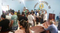 Sessão da Câmara de Vereadores de Uruará é suspensa após protesto durante votação do orçamento municipal 2015. Leia no blog http://joabe-reis.blogspot.com.br/2014/12/sessao-da-camara-de-vereadores-de-uruara.html