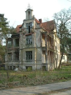 why do some old, abandoned buildings give me the creeps and some I see as totally beautiful? - RM