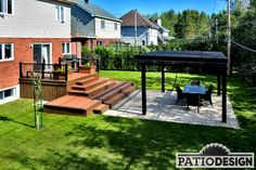 Terrasse en Trex Composite et interbloc Backyard Pool Landscaping, Backyard Gazebo, Small Backyard Pools, Backyard Playground, Pergola Patio, Patio Deck Designs, Patio Design, Backyard Renovations, Outside Patio