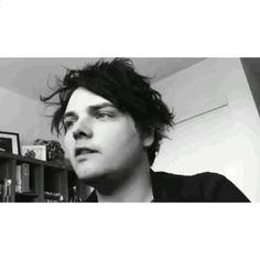 Gerard Way is so beautiful