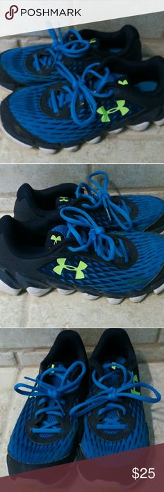 UnderArmour Under Armour micro g shoes 5.5 Y Great used condition Under Armour Shoes Sneakers