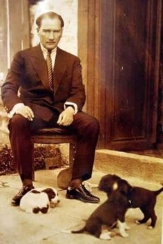 mustafa kemal ataturk president of turkey with his pet dogs ca. as part of kemal's modernization and westernization of turkey he encouraged the acceptance of dogs and the end to their relig The Legend Of Heroes, Portraits, Great Leaders, Historical Pictures, Pet Dogs, Presidents, Photo Editing, Diys, Stock Photos