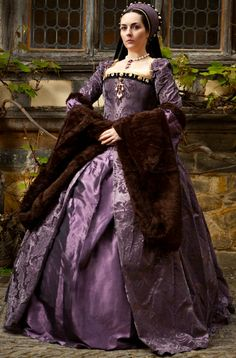 Tudor Costume. This lady kinda looks like the evil step mom in my mind, i know she has dark black hair and brown eyes and very light skin