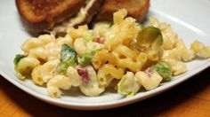 Bacon+and+Brussels+Sprout+Mac+and+Cheese