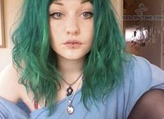 Labret piercing and green hair, perfection