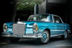 Love the color. Custom Mercedes, Mercedes Benz Maybach, M Benz, Mercedes S Class, Classic Mercedes, Cars And Motorcycles, Dream Cars, Super Cars, Antique Cars