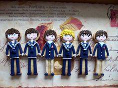 Boys dressed in First Holy Communion clothes, niños vestidos de Primera Comunión, by www.vivalascookies.com