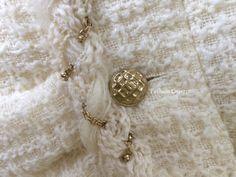NEW $4645 CHANEL 07A RUNWAY ECRU IVORY GOLD CHAIN BRAID TRIM TWEED JACKET 44 | eBay