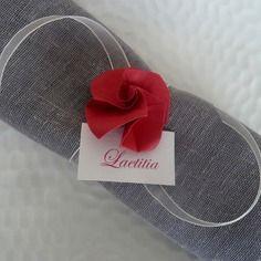 Marque place rond de serviette  pour mariage en origami - rose rouge en papier…
