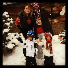Mariah Carey and Nick Cannon gathered Moroccan and Monroe together for a snowy family picture on Christmas Eve. Source: Instagram user mariahcarey
