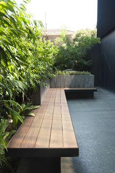 9 Beautiful Backyard Ideas for Small Yards – Garden Ideas 101 Modern Courtyard, Small Courtyard Gardens, Courtyard Design, Back Gardens, Outdoor Gardens, Courtyard Ideas, Outdoor Patios, Outdoor Rooms, Outdoor Living